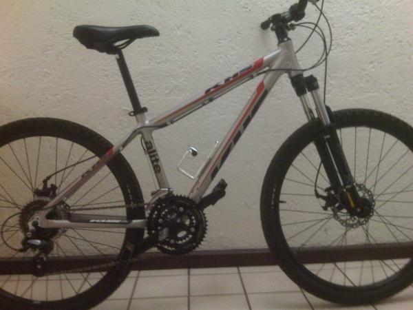 Bicicleta MTB KHS